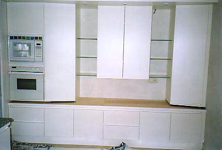 witte laminaat keuken, zicht bergkasten  interieurbouw de clercq, Meubels Ideeën